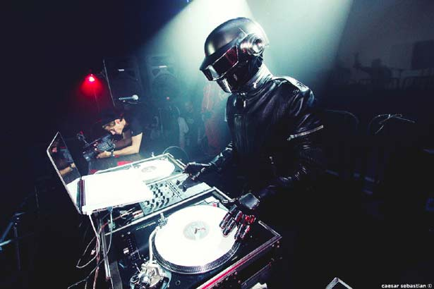 Daft Punk are Electronic Reporters?